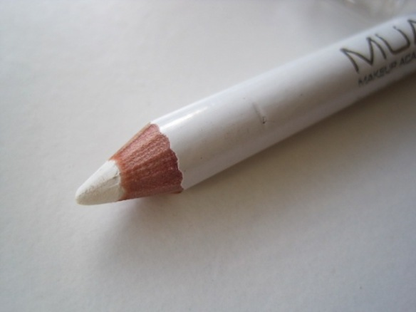 MUA Snow White Intense Color Liner