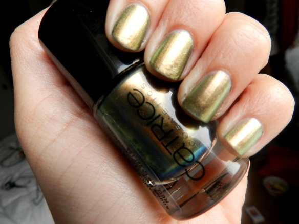 catricE GENIOUS IN THE BOTTLE DUOCHROME NAIL POLISH